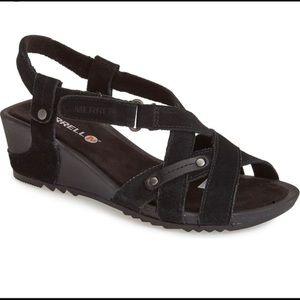 NWOT Merrell   Revalli Cross Sandal Black Size 7